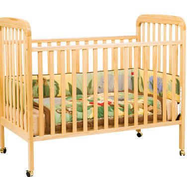 DaVinci Alpha Crib 3-in-1 Convertible Crib in Natural